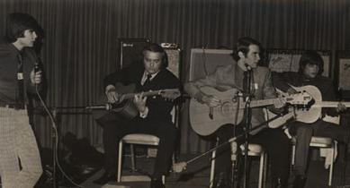 1973_Эрни Болл с сыновьями на фестивале «Earthwood Acoustics
